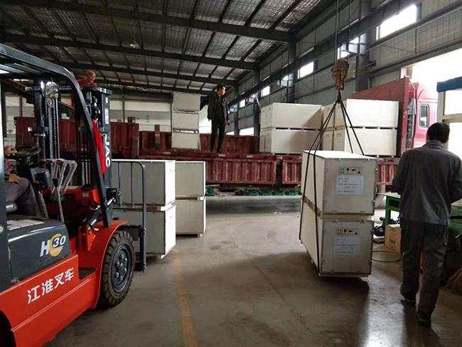 腾龙30台衬氟离心泵出口到印度