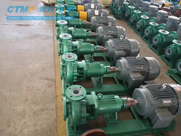 腾龙IHF100-65-200氟塑料离心泵发货现场