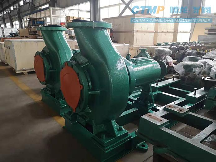 两台IHF150-125-315大型氟塑料离心泵发往大庆油田责任有限公司