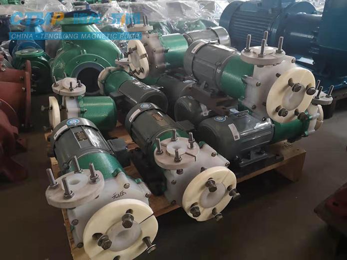 腾龙25FSB-25氟塑料离心泵发往青岛海晶化工