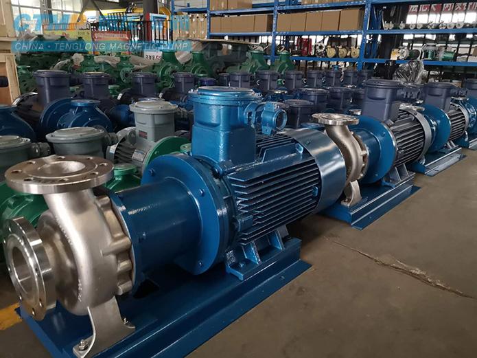 腾龙一批不锈钢磁力泵发往中国石化