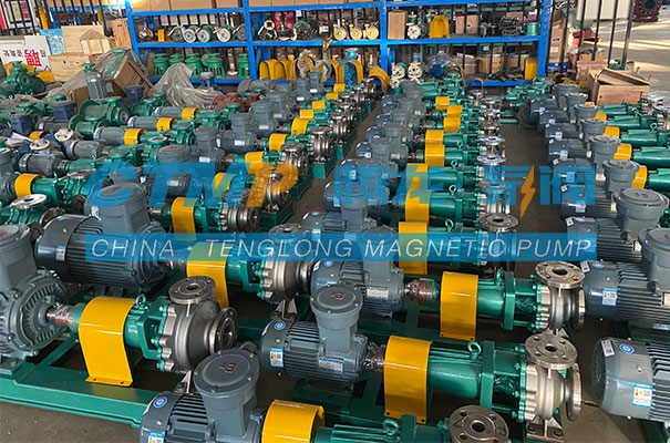 腾龙一批IH不锈钢离心泵发往厦门环信达化工