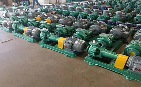 腾龙IHF65-40-200氟塑料离心泵发往滨化集团